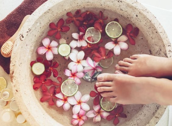 6 DIY Remedies to Soothe Aching Feet