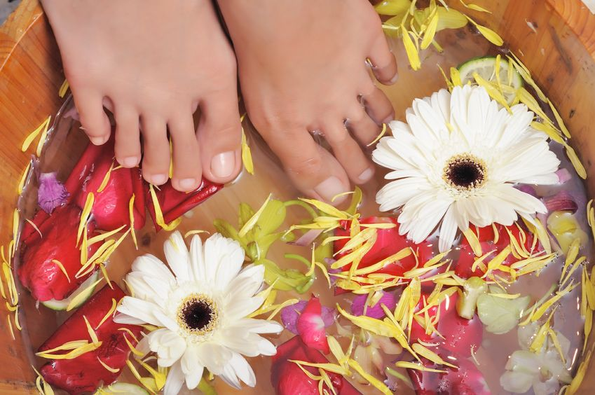 Want Sexy Feet? Try These Simple DIY Footcare Remedies