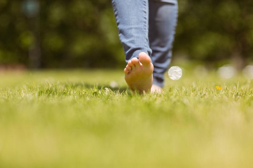 walking barefoot | Dermalmedix