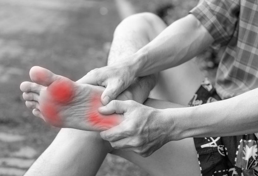 sharp foot pain | Footmedix