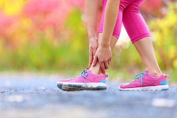 How to Alleviate Foot Nerve Pain (6 simple tips)