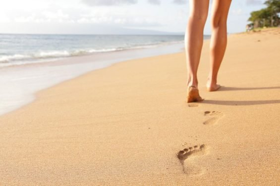3 Tips to Achieve Smooth Feet (goodbye dry, cracked feet!)