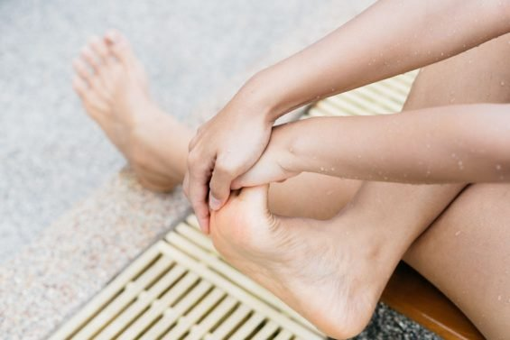 How To Get Rid of a Foot Cramp (5 effective tips)