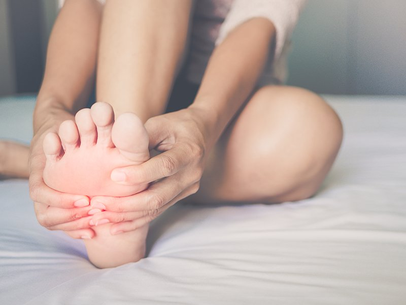 Should I Be Concerned By Numbness And Tingling in My Feet?