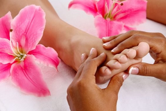 DIY: The Best Foot Massage Techniques