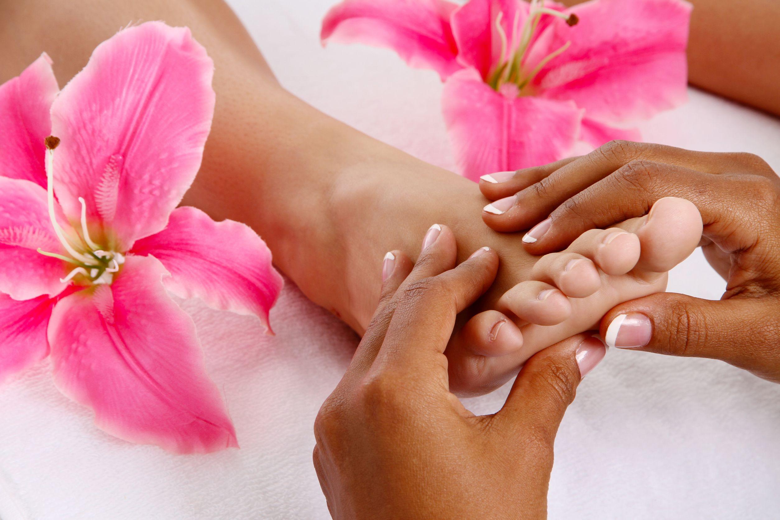 DIY: The Best Foot Massage Techniques