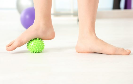 Flat Feet Pain – Causes and Remedies of This Condition