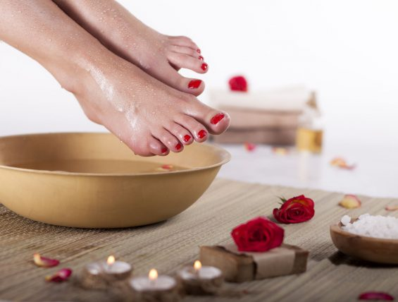 What to Soak Feet in to Remove Dead Skin